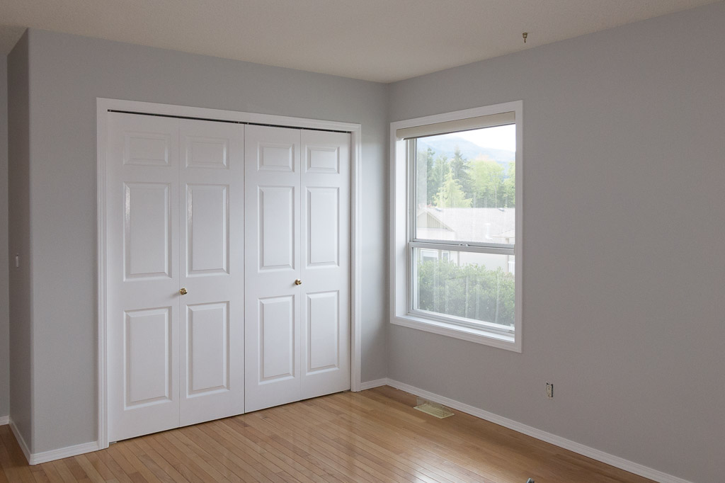 Grey Bedroom Walls With White Trim Attractive Design